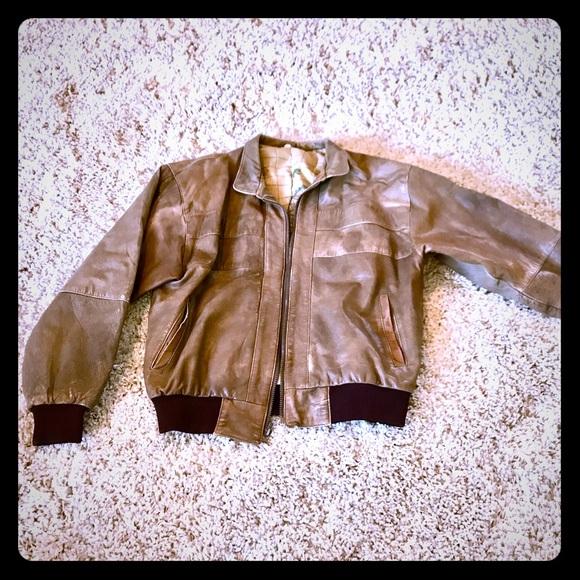 354c6f99a94 Vintage Real Leather Bomber Jacket in Mens Medium.  M 5b8d48199e6b5b208e3e55a9
